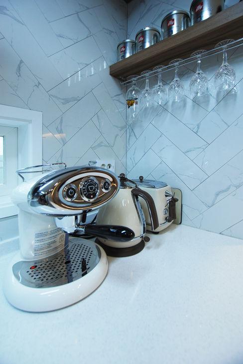 라움 디자인 現代廚房設計點子、靈感&圖片