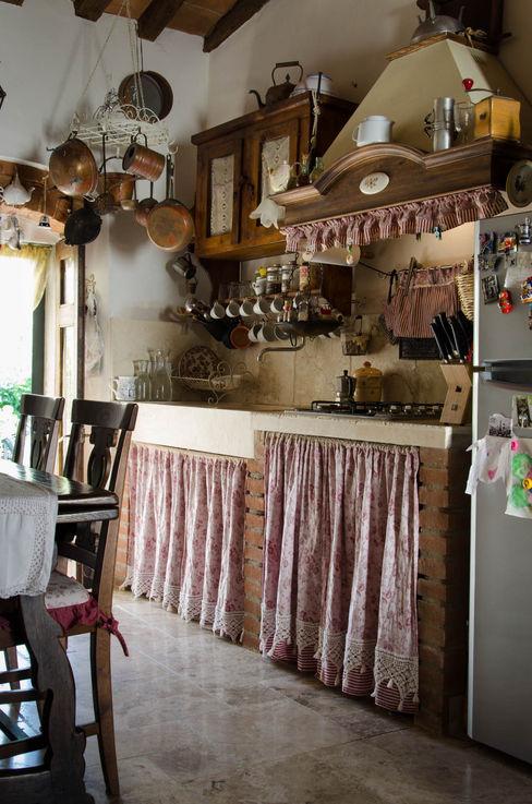Cucina in travertino Pietre di Rapolano Cucina attrezzata Pietra Beige