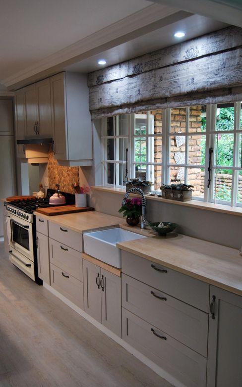 Project : De Wet Capital Kitchens cc Kitchen Wood Grey