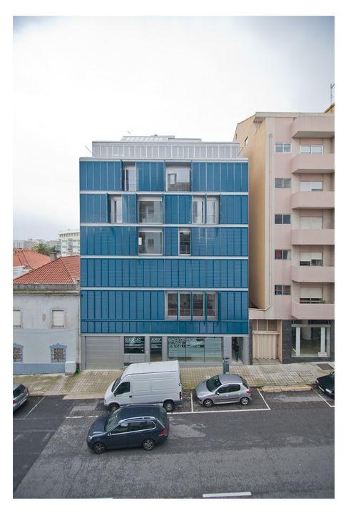 79 Building in Porto Pedro Mendes Arquitectos Casas minimalistas
