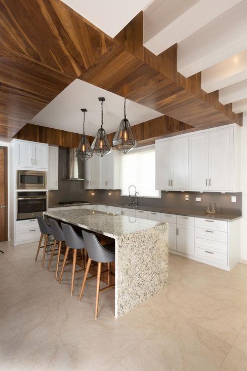 TAMEN arquitectura Modern kitchen