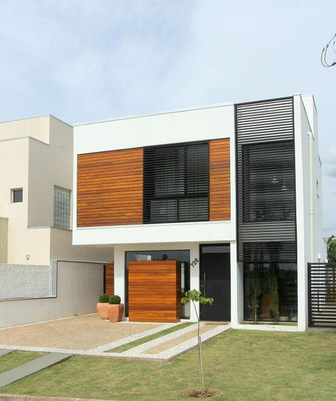 Taguá Arquitetura Casas modernas Madera Blanco