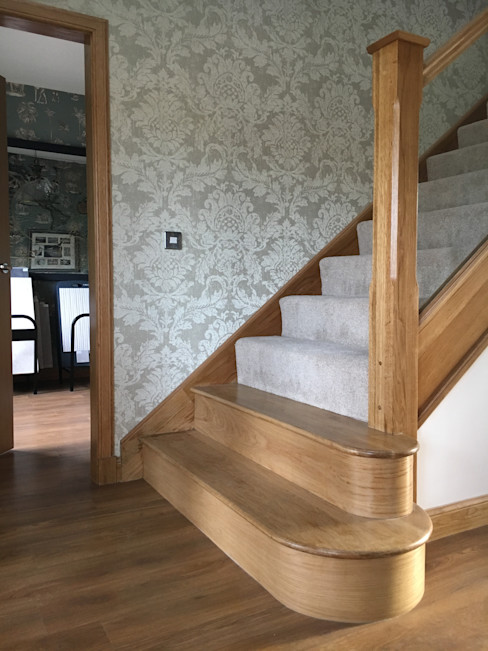 Plot 2 Durward Gardens, Kincardine O'neil, Aberdeenshire Roundhouse Architecture Ltd Коридор, прихожая и лестница в модерн стиле