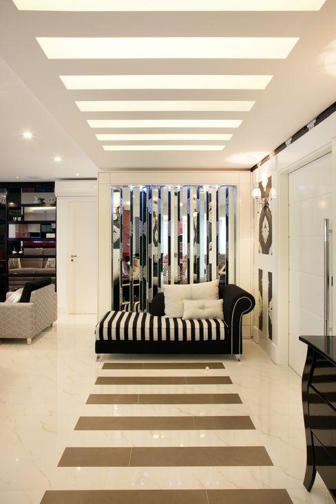Ahph Arquitetura e Interiores 現代風玄關、走廊與階梯 Black