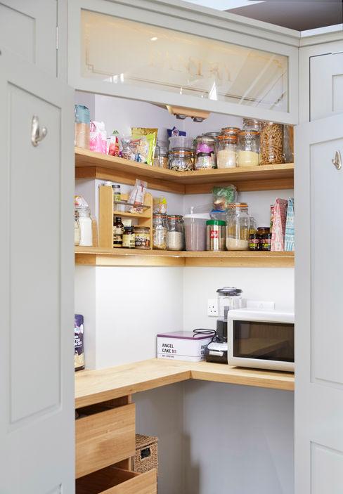 Friern Barnet 1 Laura Gompertz Interiors Ltd Cozinhas clássicas