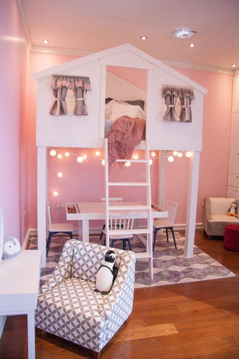 Recámara de bebé M+M INTERIORISMO Dormitorios infantiles clásicos