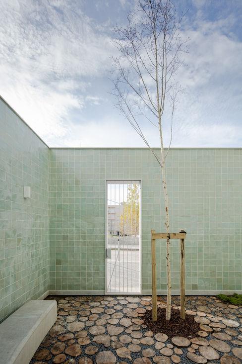ALA.rquitectos Modern Houses Tiles Green