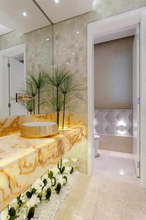 Casa Indaiatuba Designer de Interiores e Paisagista Iara Kílaris Banheiros modernos Bege