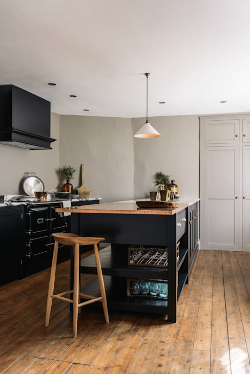 The Mill House Showroom by deVOL deVOL Kitchens KitchenCabinets & shelves Wood Black
