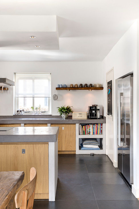 Langens & Langens BV Country style kitchen