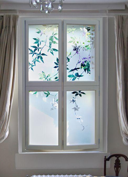Etched Glass shutters with jasmine design Antonia Macgregor Designs in Glass غرفة نوم زجاج