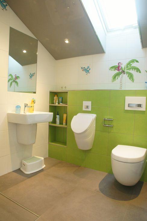 BOOR Bäder, Fliesen, Sanitär Eclectic style bathroom Tiles Green