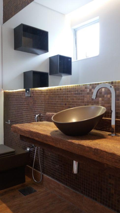 Monica Guerra Arquitetura e Interiores Modern style bathrooms