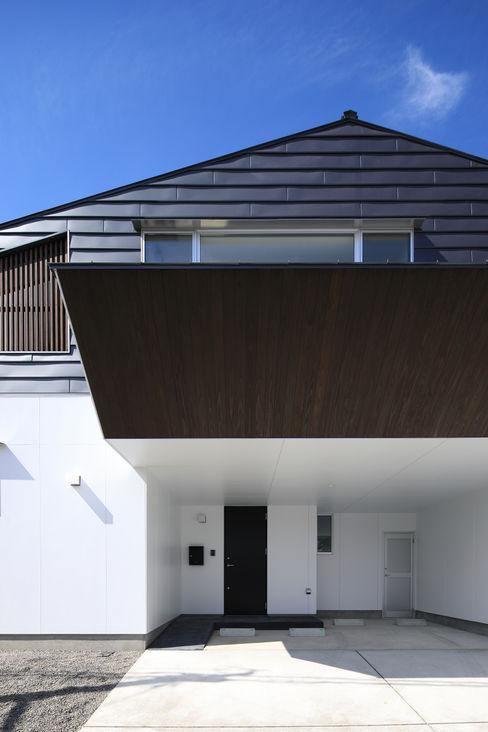 東側外観 ㈱ライフ建築設計事務所 モダンな 家