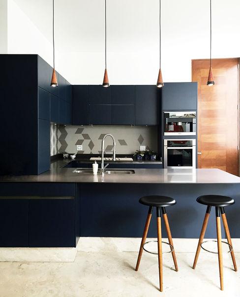 Casa Damas Sentido Arquitectura Cocinas equipadas Azulejos Azul
