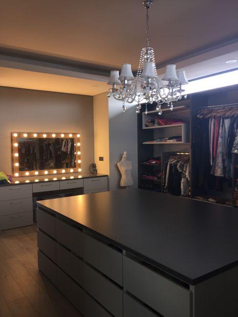 Graftink Interior and Architectural Design Studio Phòng thay đồ phong cách hiện đại