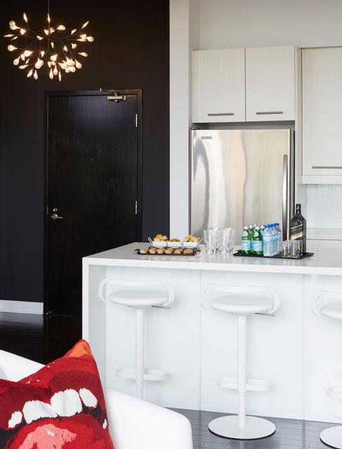 Kitchen & Entry Douglas Design Studio KitchenTables & chairs White