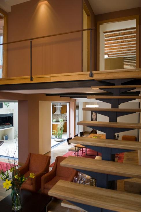 CASA EN PALERMO ARQUITECTA MORIELLO Pasillos, vestíbulos y escaleras modernos