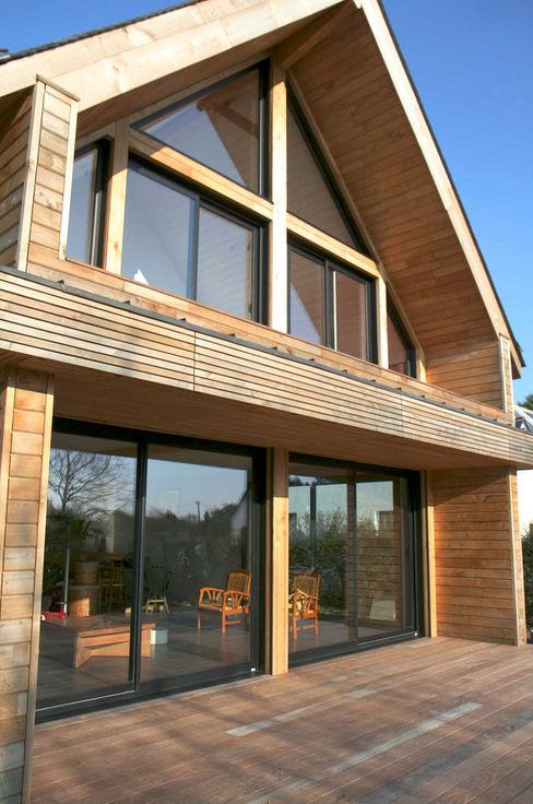 Baies vitrées en aluminium Serplaste Balcon, Veranda & Terrasse scandinaves Bois Marron