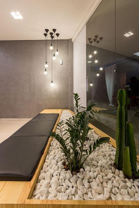 Loja Nexo - Vista da Espera Mímesis Arquitetura e Interiores Espaços comerciais minimalistas