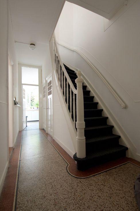 Hal met originele vloer studiopops Klassieke gangen, hallen & trappenhuizen Steen