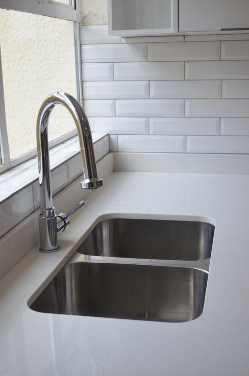 sink Première Interior Designs Modern kitchen Quartz White