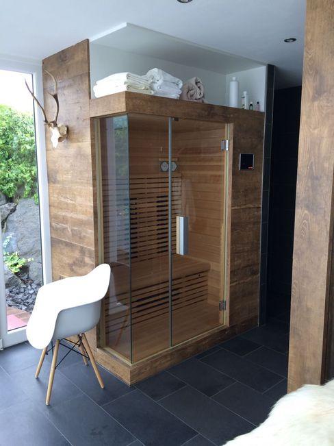 Sauna im Außenbereich mit Dusche Fa. RESANEO® Moderner Spa Holz Braun