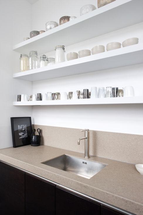 City apartment J.PHINE Minimalistische keukens
