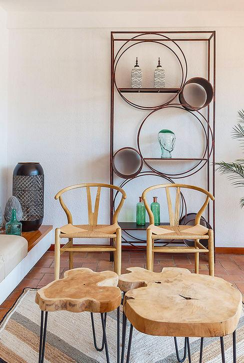 Detalle salón principal Markham Stagers Salones de estilo mediterráneo