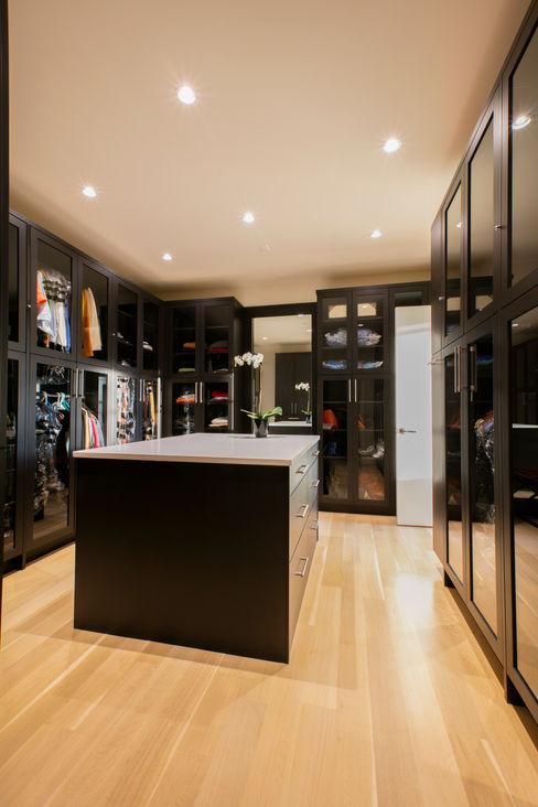 FORMA Design Inc. Modern dressing room