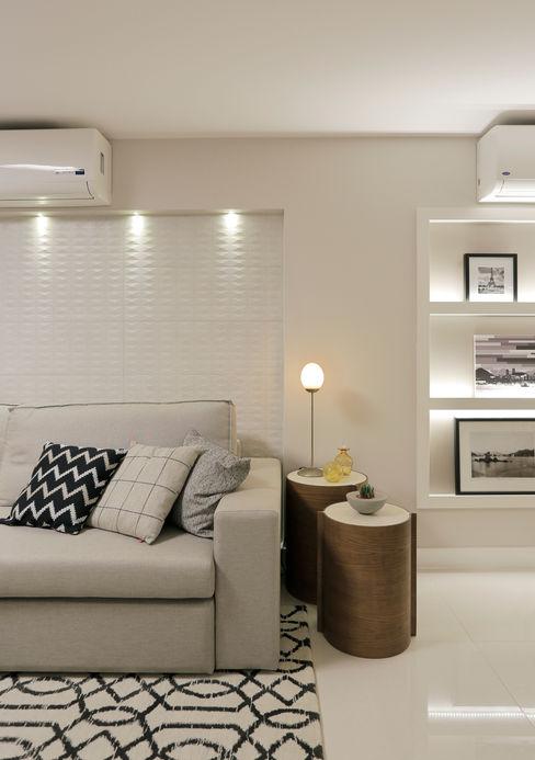 Sala de Estar Deise Maturana arquitetura + interiores Salas de estar clássicas