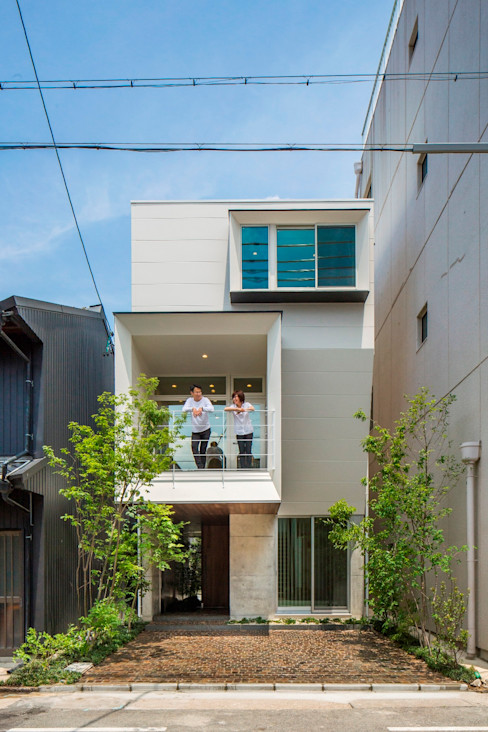 今井賢悟建築設計工房 Single family home Reinforced concrete White