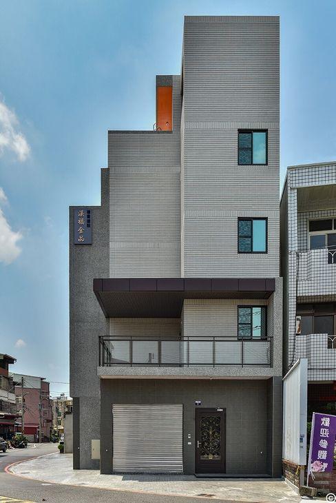 讚基營造有限公司 Moderne Häuser