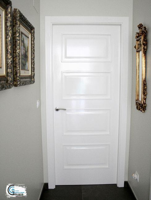 Puerta clásica lacada en blanco Almacén de Carpintería Gómez Puertas interiores