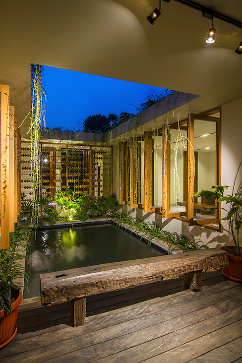 prv a131 e.Re studio architects Balkon, Beranda & Teras Modern