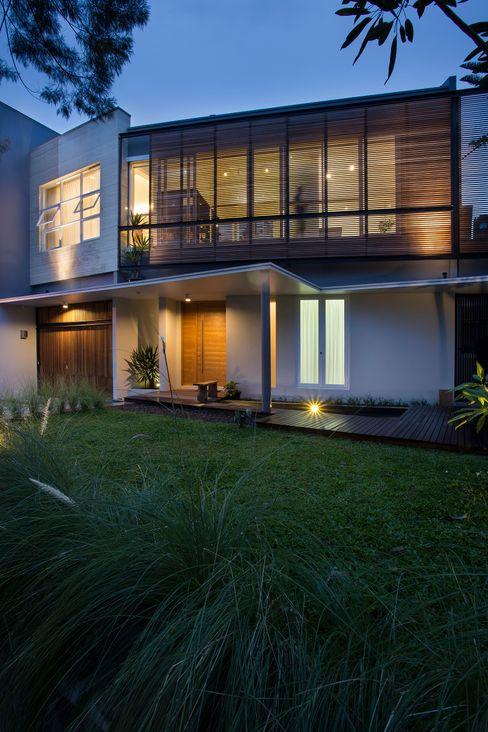 kbp house e.Re studio architects Rumah Modern