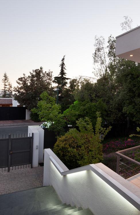 [ER+] Arquitectura y Construcción Minimalistischer Flur, Diele & Treppenhaus