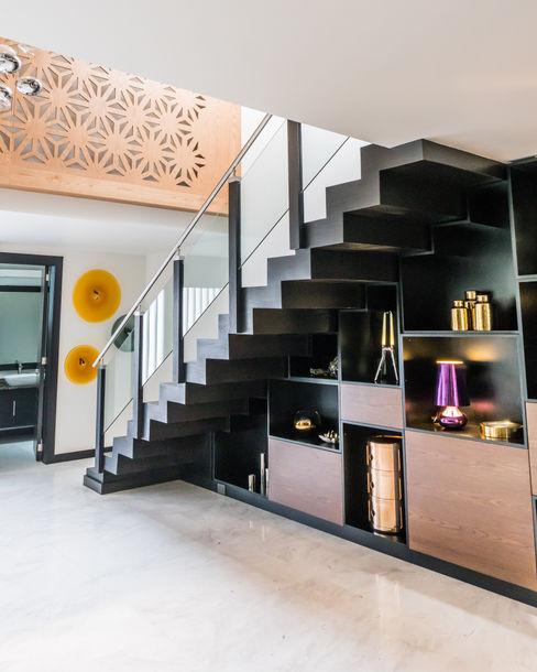 Deep Brown STUDIO COCOONS Pasillos, vestíbulos y escaleras modernos