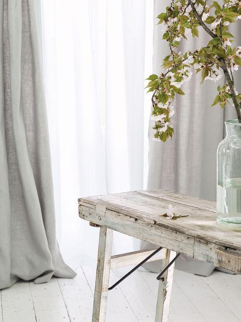 Wohnwiese Jette Schlund Modern dressing room Solid Wood Transparent