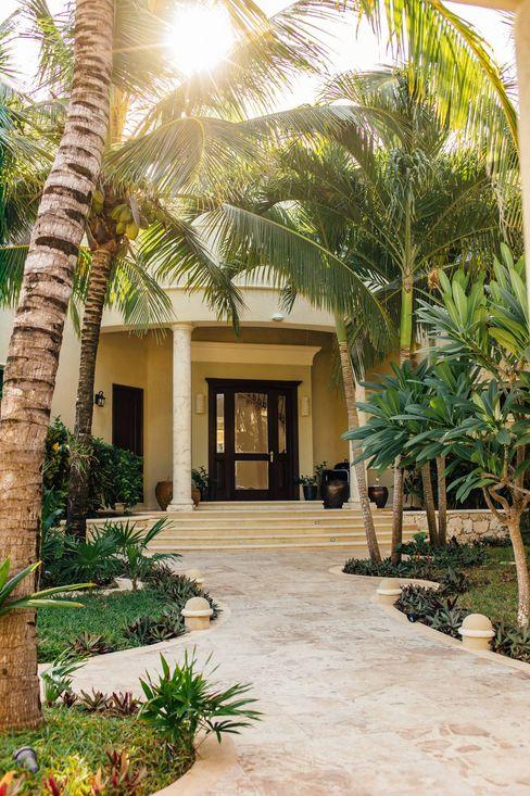Villa Escapar DHI Riviera Maya Architects & Contractors Pasillos, vestíbulos y escaleras clásicas