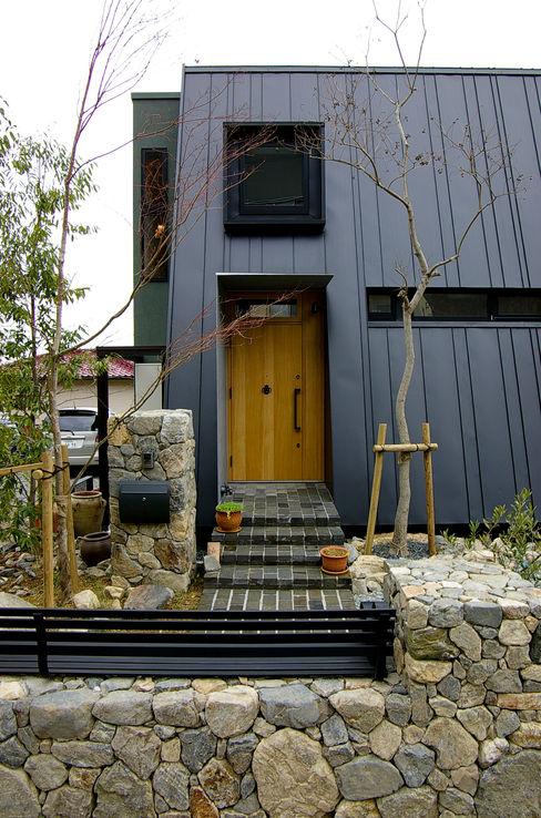 一級建築士事務所アールタイプ Portes d'entrée Bois Effet bois