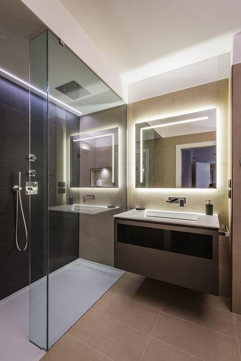 bagno conporaneo ADIdesign* studio Bagno minimalista
