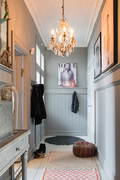 Pure & Original Modern corridor, hallway & stairs
