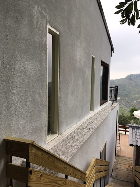 homify Country house Concrete Grey