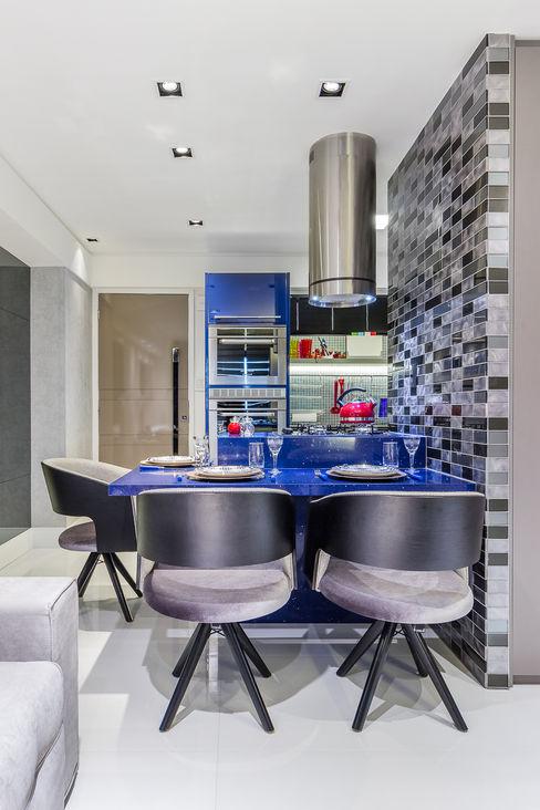 Jantar   Ilha Gourmet   Cozinha Arquitetura Sônia Beltrão & associados Salas de jantar modernas Madeira Preto