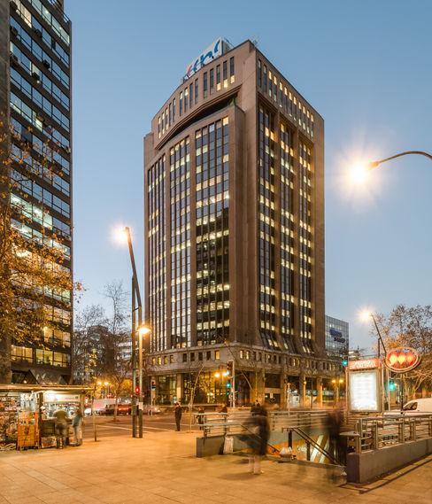 Edificio CCHC Bschneider Arquitectos e Ingenieros Edificios de Oficinas