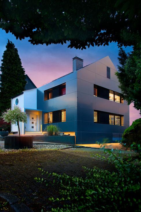 Umgerüstet auf die Zukunft Gira, Giersiepen GmbH & Co. KG Moderne Häuser