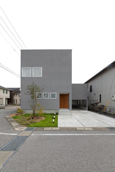 1.5階デッキのある家 ラブデザインホームズ/LOVE DESIGN HOMES オリジナルな 家