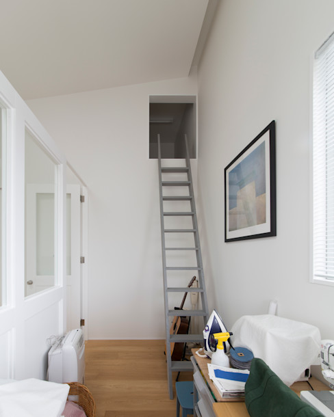 1.5階デッキのある家 ラブデザインホームズ/LOVE DESIGN HOMES 北欧デザインの 書斎
