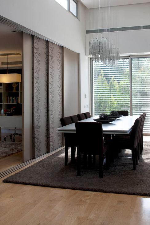 Sala de jantar - Vivenda em Famalicão - SHI Studio Interior Design ShiStudio Interior Design Sala de jantarAcessórios e decoração